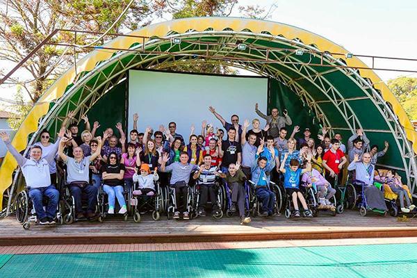 Поддержите лагерь колясочников!